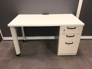 DESK-Ultra HEAVY DUTY Steelcase Mobile Desk with Drawers - $300
