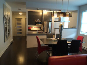 BEAUTIFULLY FURNISHED 2 BEDROOM TOP UNIT INCLUDES HYDRO+GAS