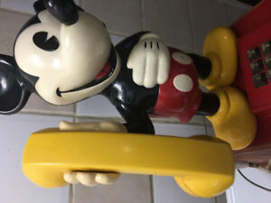 Mickey Mouse Vintage Phone *1976*  Very Cute item for anybody!