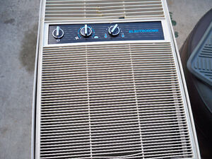 AIR CON. ELECTROHOME UPRIGHT 6000 BTU