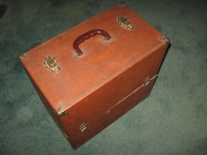 TV Repairman Tube Component Case Good Condition Vintage