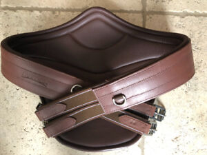 Brand new Ovation Belly Guard Girth size 54