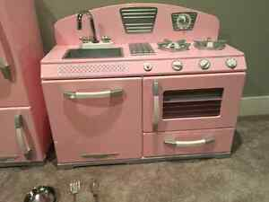 Looking for pink kitchen set Cambridge Kitchener Area image 1