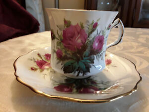 """FINE BONE CHINA CUP SAUCER, 3"""" HAMMERSLEY, RED ROSES"""