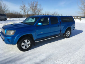 Toyota Tacoma TRD Sport (Speedway Blue)