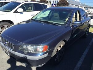 2004VOLVO S60 -ALL WHEEL DRIVE -4DR -5CYL-AUTO-$3995-LIKE NEW-