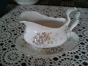 SERVING PIECES 8 Place Settings ROYAL ALBERT HAWORTH