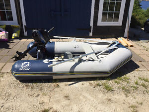 Zodiac Inflatable & Tohatsu 2.5hp 4-stroke outboard motor