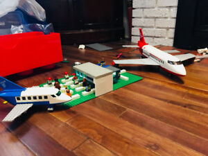 Impressive LEGO airport with 2 Planes!