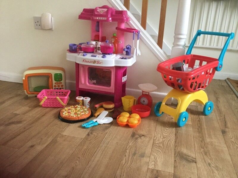 Kids play kitchen and shopping with accessories