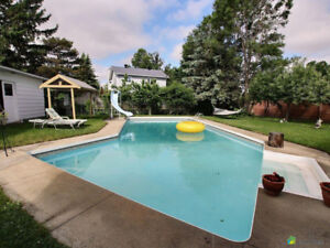 Legal Duplex in Chateauneuf on corner lot - R2 Zoning- 93x146