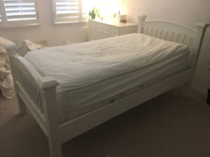 Full size Twin bed white Bombay Kids
