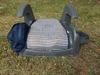 GUC. BOYS BOOSTER SEAT ... just $7.00 well used still good!