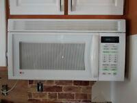 Micro-onde avec hotte intégrée