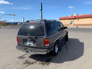 Exceptional 1999 Ford Explorer XLT 4WD with all options