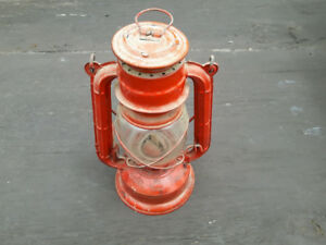 ANTIQUE LAMP - 1ST $10.00 TAKES IT --- (MORE CAMPING STUFF TOO)