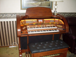 LOWERY PRESTIGE ORGAN