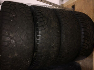 Winter tires w/rims 225/55R17