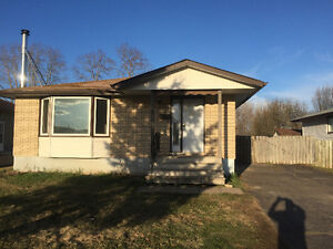 Student Rental 65 Ravenwood