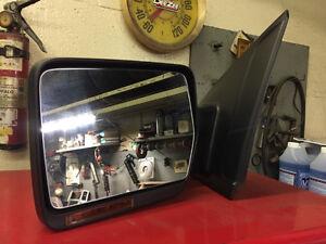 FX4 Drivers Door Mirror