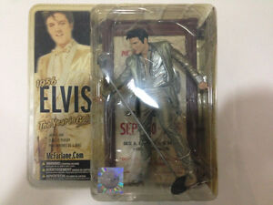 MCFARLANE ELVIS PRESLEY FIGURE 2005 *NEW* THE YEAR IN GOLD