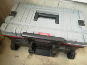 Craftsman rolling tool box durable material great condition
