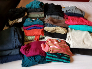 Large bag of small/medium maternity clothes