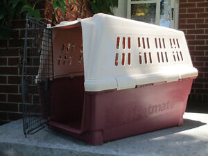PETMATE DOG KENNEL  (airline approved)