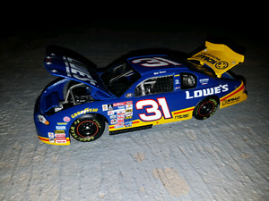 Mike Skinner 1/24 scale diecast 2000