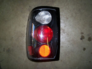 1998 FORD RANGER TAIL LIGHT (AFTERMARKET)