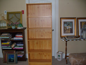 Tall Pine finish, Sturdy 5 shelf bookcase.