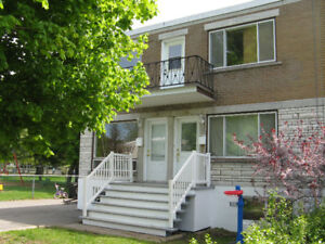 Chateauguay Triplex a Vendre par Proprietaire/By Owner