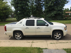 2013 Chevrolet Avalanche Black Diamond LTZ Pickup Truck