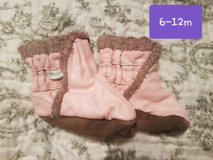 Baby/toddler shoes $5 each