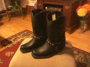New LADIES BIKER BOOTS - Leather - Size 7
