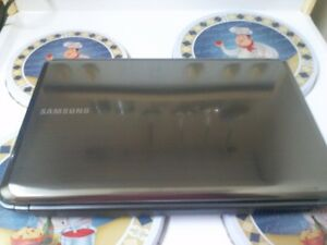 Samsung Laptop { For Parts!!!}