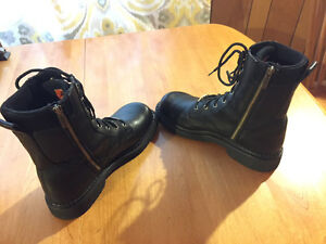 Mint Leather Harley Davidson Motorcycle Boots