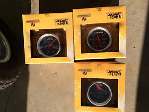 Auto Meter Gauges- brand new, Boost, fuel level & fuel pressure Comox / Courtenay / Cumberland Comox Valley Area image 3