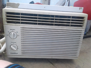 Aircondtioner 5000 btu great condtion 60$obo