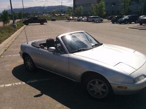 1992 Mazda MX-5 Miata Convertible