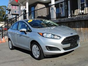 2014 Ford Fiesta SE / 1.6L I4 / Auto / FWD **Just In**