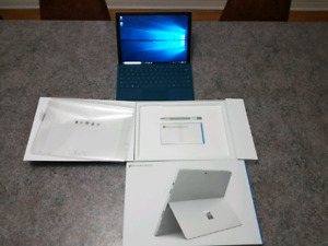 I7 / 8 GB RAM / 256 GB SSD . Keyboard & Pen & Power Adaptor