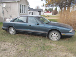 For Sale for parts or Repair. 1995 Oldsmobile 88 Royale