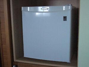 DANBY COMPACT FRIDGE 1.7 CU FT WHITE