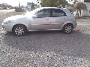 2004 Chevrolet Optra LS Hatchback