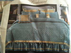 NEW king size 8 piece quilt set