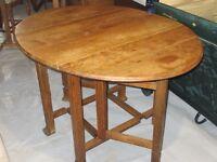 Table GateLeg avec 4 chaises - Antiquité d'Angleterre