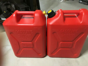 Two 20 Litre each gas cans