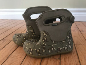 Bogs. Toddler boots. Size 9.
