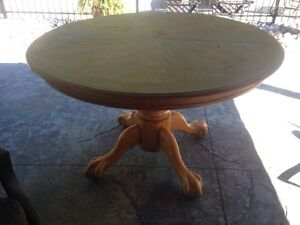 Oak kitchen pedestal table Kawartha Lakes Peterborough Area image 1